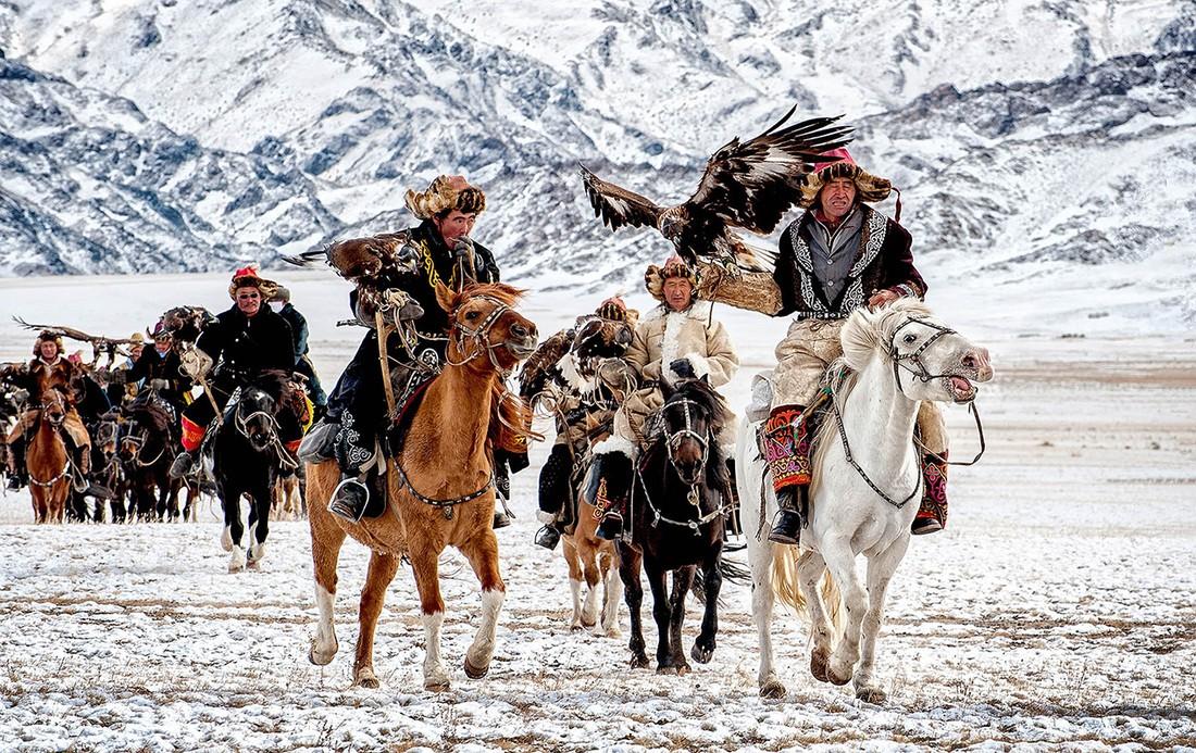 Орлиная охота в Монголии.