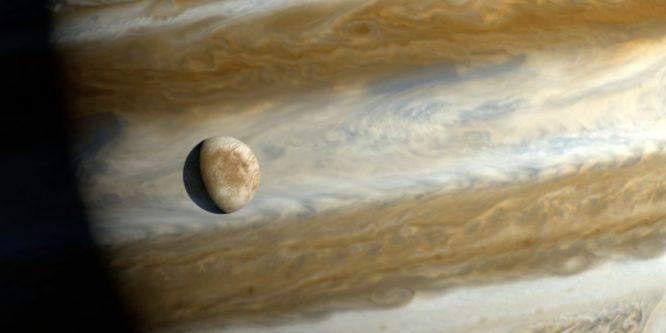 Спутник Юпитера.